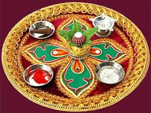 Navratri puja thali decoration ideas gardens home and for Aarti thali decoration pictures navratri