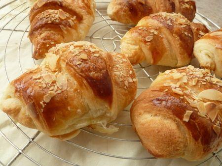 Recette croissants fourrés à la crème d'amandes, cuisinez croissants fourrés à la crème d'amandes