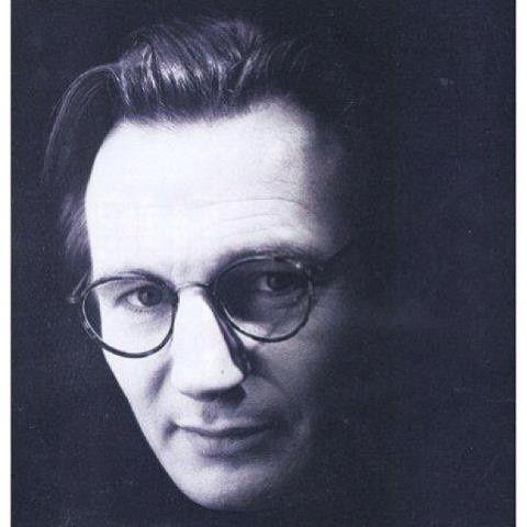 Liam Neeson in Optica Eyewear