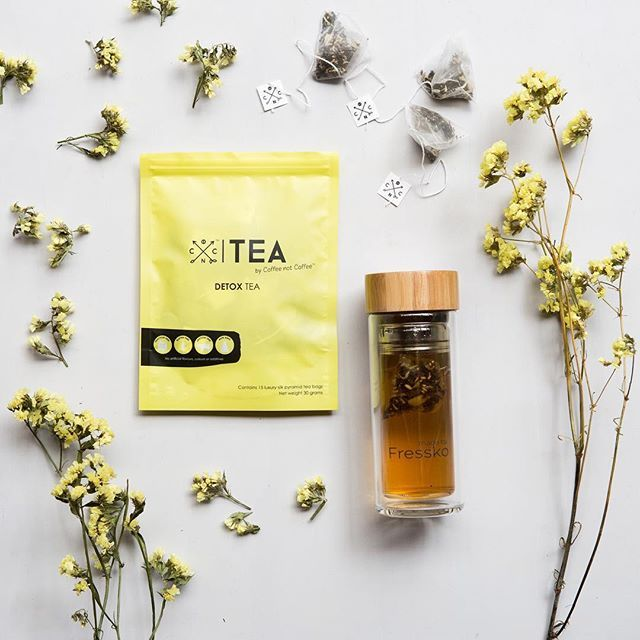 For a lightly cleansing tea that tastes delicious, check out our DETOX TEA! Made from a combination of black tea with anise, fennel and cardamom to provide a gentle and cleansing tea that can aid in digestion and help detox your system. Packaged in luxurious silk pyramid teabags and available in 15, 30, 45 and 60 serves. SHOP NOW // www.coffeenotcoffee.com.au Image @jessbicknellphotographer Flask @madebyfressko_official