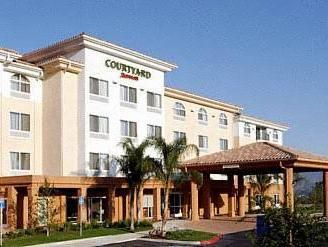 Simi Valley (CA) Courtyard Ventura Simi Valley United States, North America Stop at Courtyard Ventura Simi Valley to discover the wonders of Simi Valley (CA). The hotel offers a wide range of amenities and perks to ensure you have a great time. Free Wi-Fi in all rooms, 24-hour front desk, facilities for disabled guests, meeting facilities, restaurant are there for guest's enjoyment. Comfortable guestrooms ensure a good night's sleep with some rooms featuring facilities such as...