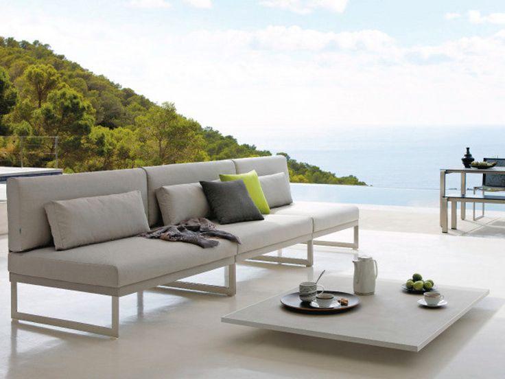SQUAT Garden sofa by MANUTTI