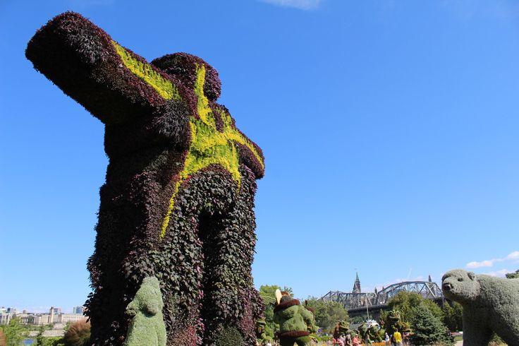 Totem aux Mosaicultures du Canada 150 au parc Jacques-Cartier à Gatineau