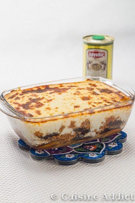 J'ai toujours adoré la moussaka, déjà je suis très «gratins» surtout en hiver: c'est rapide et facile à faire, c'est bon et réconfortant, un vrai «plat doudou» ^^Et puis je suis fan d'aubergines, j'en met même dans mes lasagnes comme une fausse moussaka :) Du coup, lors de nos vacances à Rhodes cet été (j'ai …