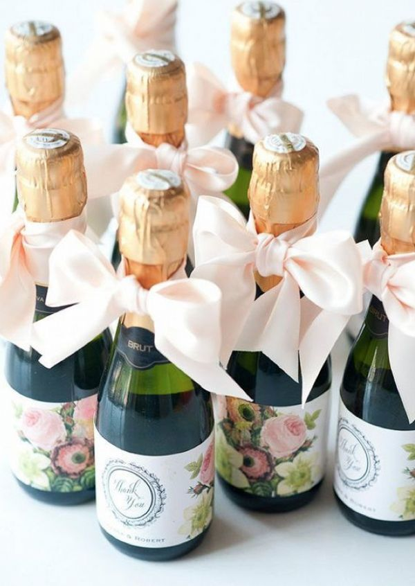 10 Wedding Favors That Your Guests Won T