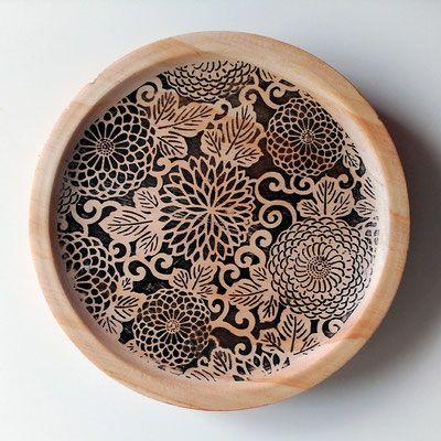 Tranfer realizado sobre plato de madera/I tranfer served on wooden plate.