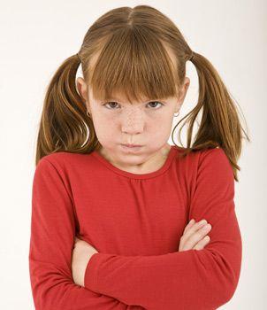 Consejos para controlar el mal genio de los niños Cómo manejar el mal humor de los niños