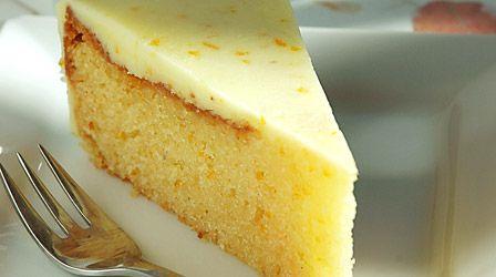 Συνταγες για 8-10 άτομα Υλικά: Για τη βάση: 250γρ. αλεύρι 160γρ. ελαιόλαδο ή ηλιέλαιο 160γρ. φυσικό χυμό πορτοκάλι 1/2 κουταλάκι του γλυ...