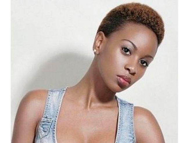 jolie coupe courte pour femmes noires . Fashion and
