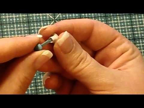 Brad+eyelet = cierre para enganchar con cinta o cordón! Genial!