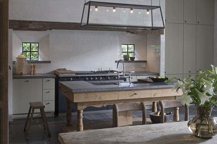 Kitchen image, island and range area via 't Achterhuis Historic Building Materials, The Netherlands, as seen on Source Sharing, linenandlavender.net, http://www.linenandlavender.net/2013/02/source-sharing-t-achterhuis-nl.html