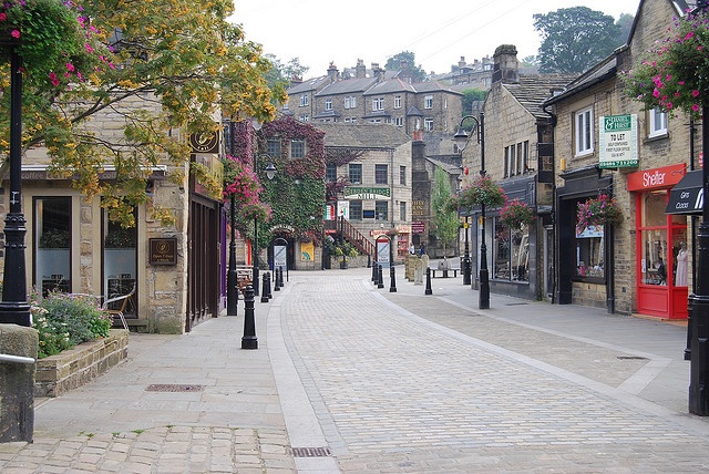 Hebden Bridge, Yorkshire. Such a gew of a town with lovely canals :)