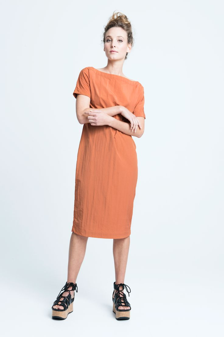 sara bailes x midi dress x rust