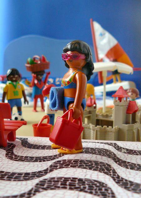 playmobil vrouw met zonnebril,tas&handdoek