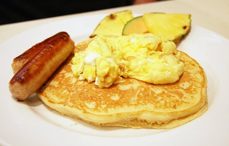 Boom Breakfast & Co -st clair west