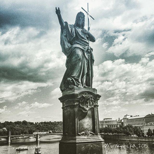 #sculpture #prague #praha #iprague #statue #art #brigde #saint #santa #stone #river #vltava #cz #czech #czechia #czechrepublic #czechdesign #czdsgn #česko #české #českárepublika #architecture #heritage #abandoned #DiscoverCZ #display #Enlight