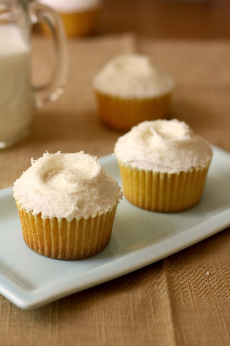 cupcake recipes for bridal shower%0A Hummingbird High  Hummingbird Bakery Coconut and Pineapple Cupcakes Recipe   Adapted for HighAltitude