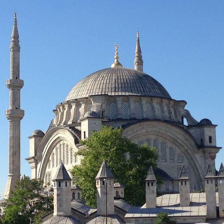 Nuruosmaniye Mosque the first of the European style ...