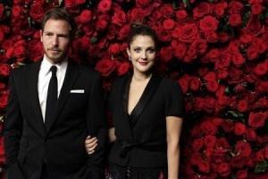 """Drew Barrymore ha detto """"sì"""" per la terza volta. L'attrice ha sposato il fidanzato mercante d'Arte Will Kopelman, questo week end nel sud della California."""