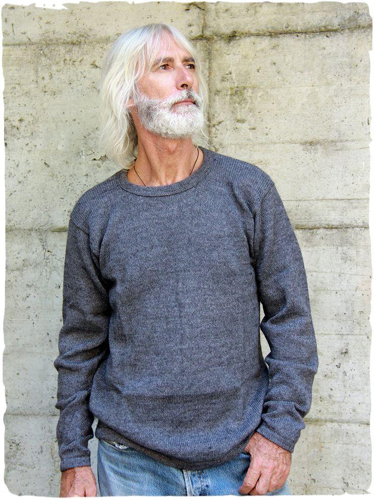 Javier wool sweater #roundneck #alpacasweater #handmade to basic thread. Plain #jumper. #alpacajumper #alpacawool #alpaca #lamamitafashion #mansweter