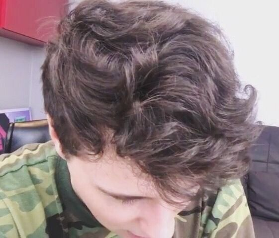 Look at those waves<<< I want to have dan's hair. Not like cut it off and put it in a dan and phil shrine but like have it as my hairstyle.