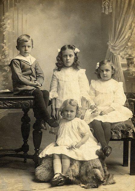 les 4181 meilleures images du tableau vintage enfant photo sur pinterest enfant photos. Black Bedroom Furniture Sets. Home Design Ideas