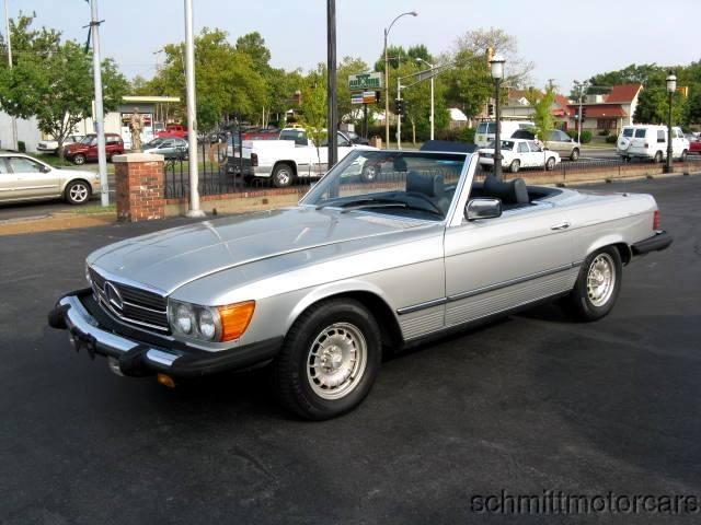 Mercedes 450SL just like Diana Prince's