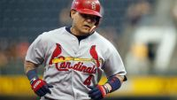 Report: Cardinals sign Yadier Molina to a three-year extension