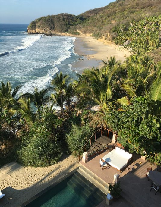 Like a fearless surfer, Stan Parish watches the waves of the Pacific from the headlands of the Imanta Punta de Mita, a reassuring shelter that makes a sweet lullaby of the crashing ocean.
