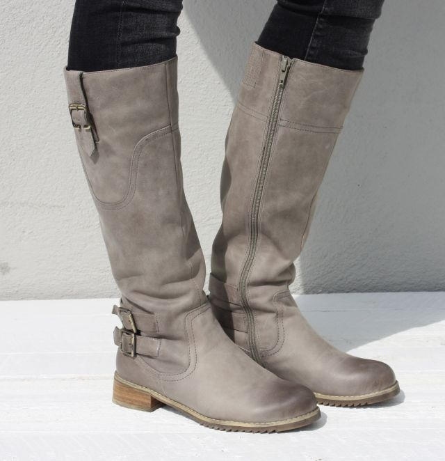 Grey leather boots :.great boots but can't read the advertisement, it is not English!!!!