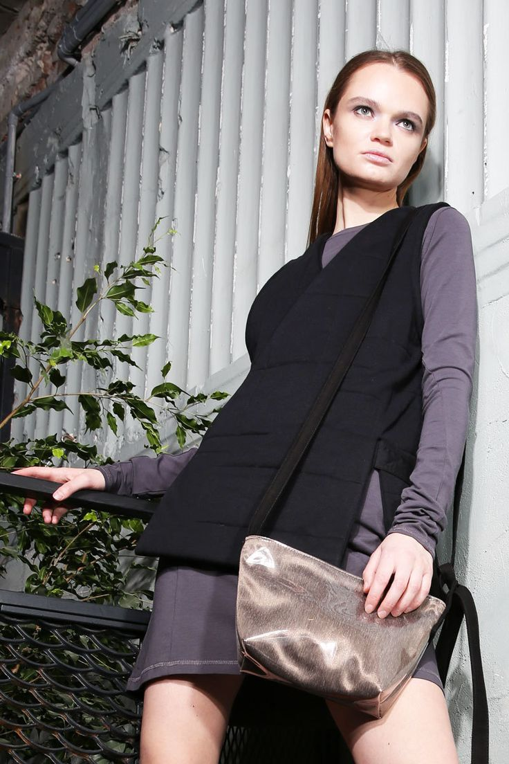 Women's golden shoulder bag    #mariashi #fashion #russiandesigners #nofilter #outfit #outfitoftheday #outfits #outfitpost #clothes #fashionista #fashiondesigner #shopping