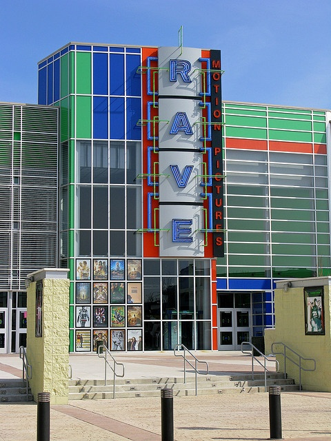 Rave movie theater westroads