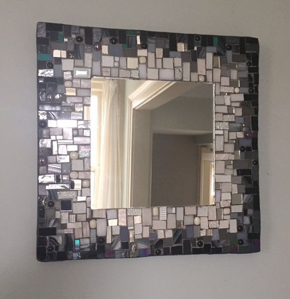 Mosaic Mirror Black and White por MEmosaicsandglass en Etsy                                                                                                                                                                                 Más