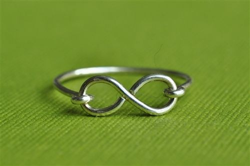 Infinity Ring - great gifts for you and your BFF (by muyinmolly
