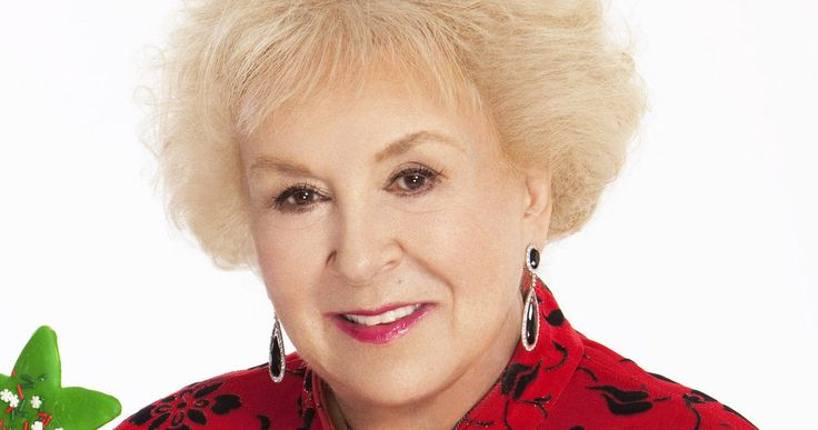 Doris Roberts, 'Everybody Loves Raymond' Star, Passes Away at 90 -- 'Everybody Loves Raymond' star Doris Roberts passed away in her sleep at her home in Los Angeles. -- http://movieweb.com/doris-roberts-dead-rip-everybody-loves-raymond/