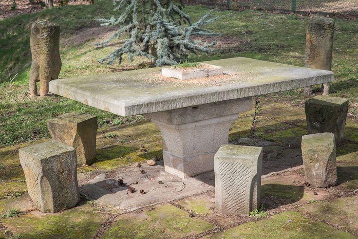 Ivan Erben, kamenické práce, kameny v zahradě