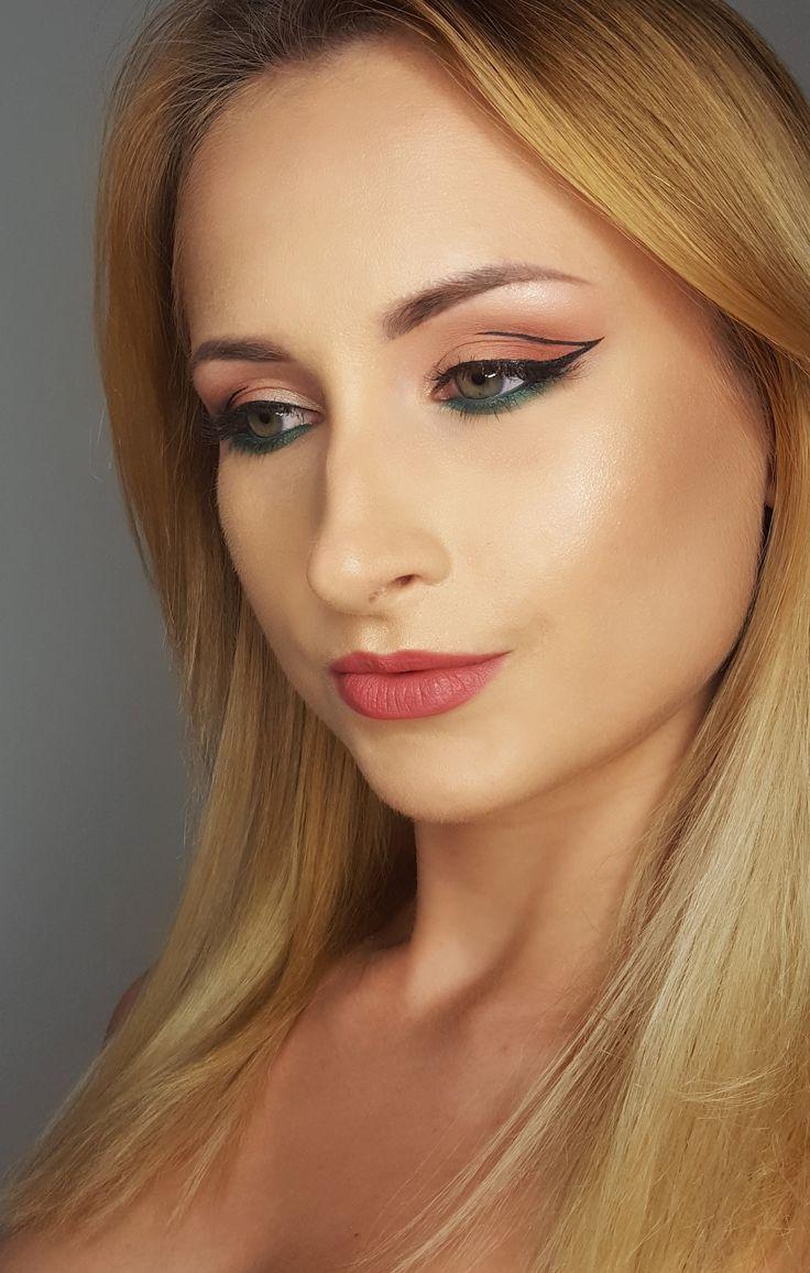 cut crease , graphic makeup, liner , green makeup