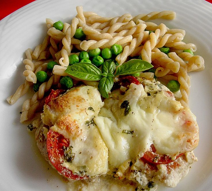 Hähnchenbrustfilet mit Tomate und Mozzarella in Kräuter - Sahne - Sauce 1