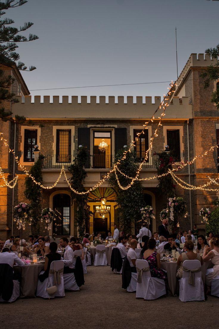 Los 10 lugares más románticos para pedir matrimonio. #boda #bodas #wedding #inspiracion #weddinginspiration #bodasnet #bodas2019 #bodasespaña #espacio #espaciodeboda #celebración #pedidademano Photo Dump, Street View, Random, Romantic Places, Space, Casual