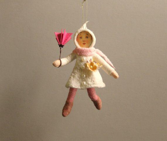 Gesponnen katoen Ornament  winderige dag meisje door PlumPuppets