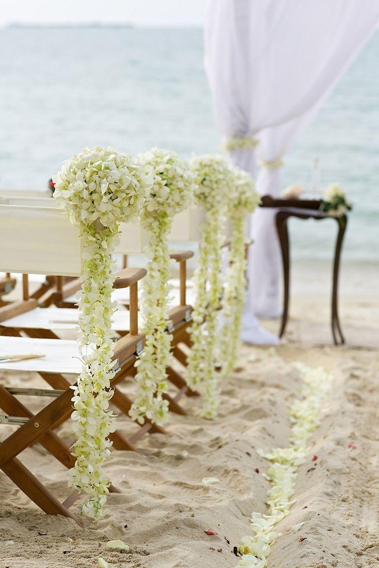 beach pompom flowers for a beach wedding
