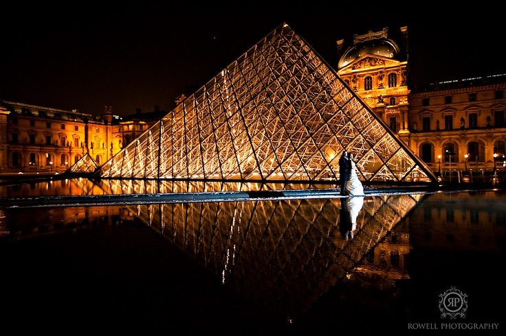 CLICK THIS PIN to see more night time romantic wedding photos in Paris, France. Paris France wedding, Louvre Museum wedding photos