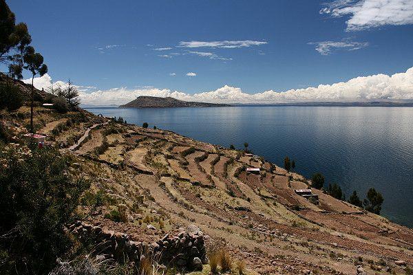la Isla Taquile (I) wurde in Peru, Isla Taquili aufgenommen und hat folgende Stichwörter: Peru,  Titicaca,  Titicaca-See.