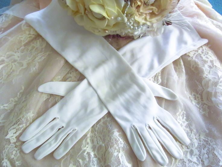 Vintage wedding gloves, white elbow gloves formal evening gloves, prom gloves, bridal gloves, 1950's wedding gloves, burlesque glamour style by thevintagemagpie01 on Etsy