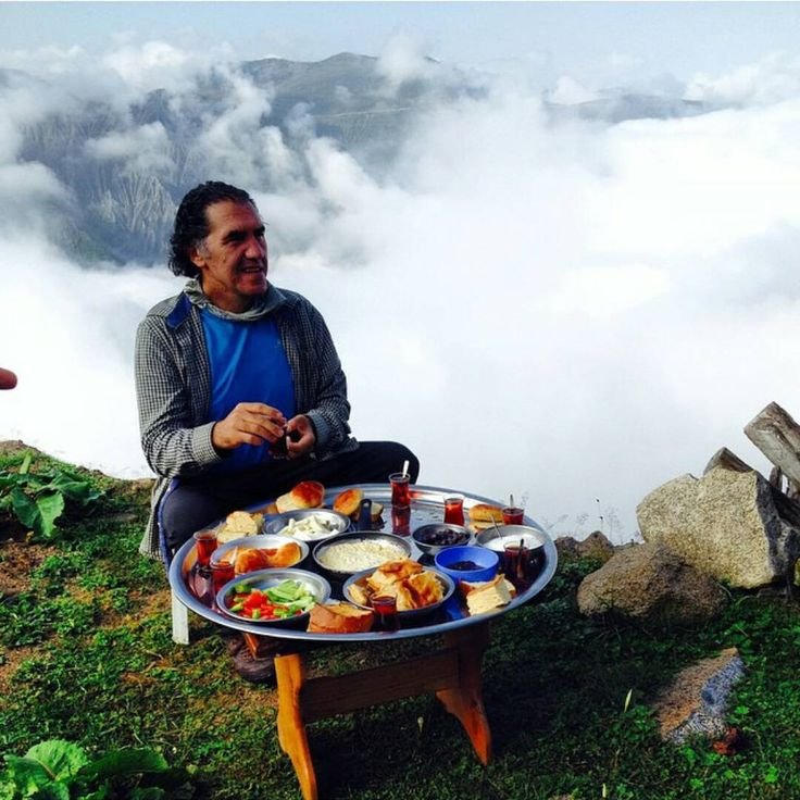 Breakfast in the sky...Sırt yayla (highland) #Kaçkar mountains #BlackSea #Turkey - Photo by Mehmet Sedat Önder (sopezgovulur)