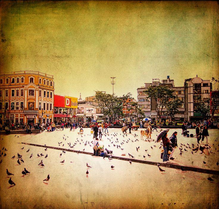Tarde en Plaza de San Victorino by Amel Segré