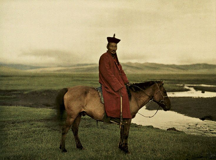 Buddhist lama in Mongolia near Ulaanbaatar, 17 July 1913, Stéphane Passet, public domain via Wikimedia Commons.