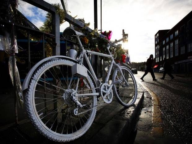 Cyclists vs motorists: A phoney war between two tribes who should be on the same side - Home News - UK - The Independent