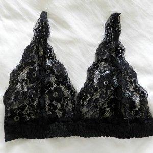 Lingeries   Miupi #miupi #adoromiupi #renda #lace #lingerie #intimates #preto #cute #flowers #black #top #conforto #comfy
