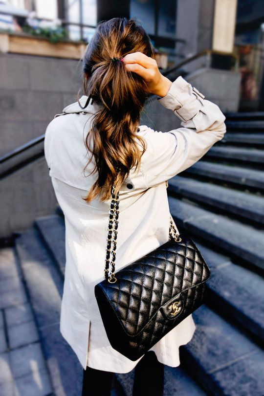 . black skinnies + cream trench + chanel purse .